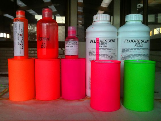 Peinture fluorescentes pour carrosserie for Peinture fluorescente exterieur