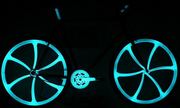 Bombe de penture vélo phosphorescente