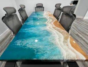 Résine époxy effet marine sur table époxy