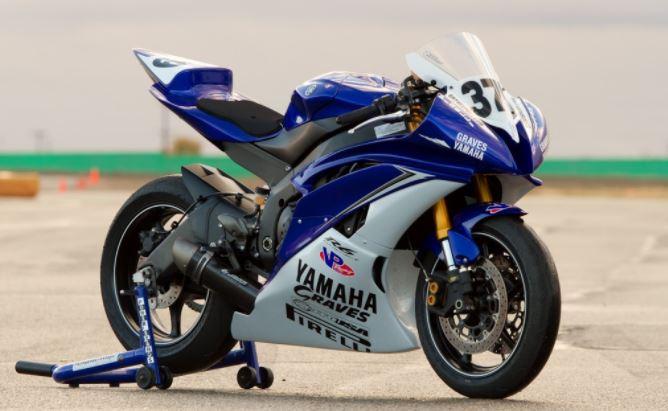 teinte moto de course Yamaha