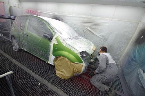 Appliquer une peinture de voiture