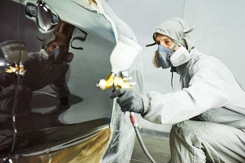 Application d'une peinture brillant direct