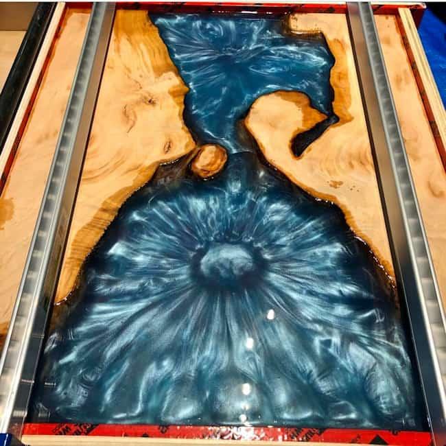 Colorer une résine epoxy avec des nacres