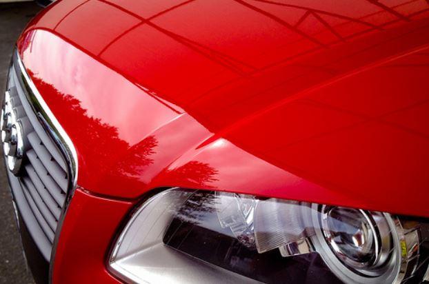 peinture Audi brillante rouge